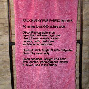 FAUX HUSKY FUR FABRIC light pink